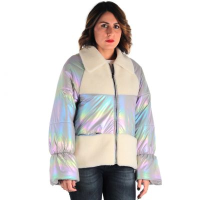 Piumino iridescente con inserti in pelliccia