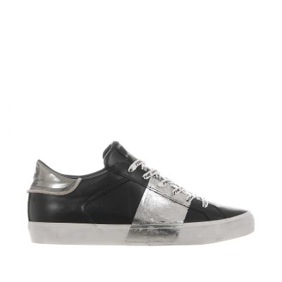 Sneaker low top distressed in pelle effetto used