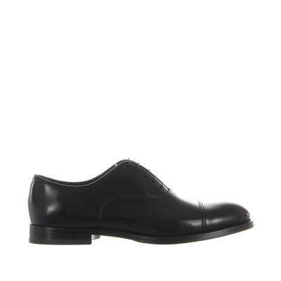 Stringata oxford in pelle con puntale