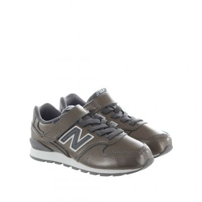 Sneaker 996 in pelle dal finish perlato