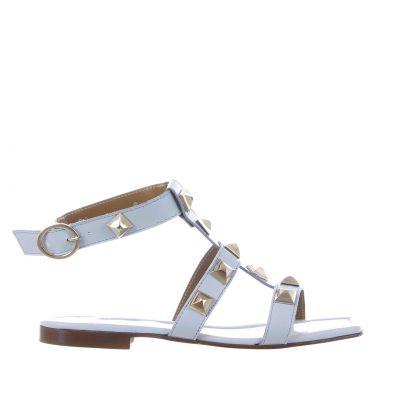 Sandalo flat in nappa con borchie